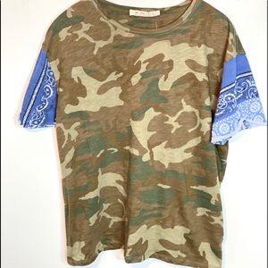 Women camo free people T-Shirt